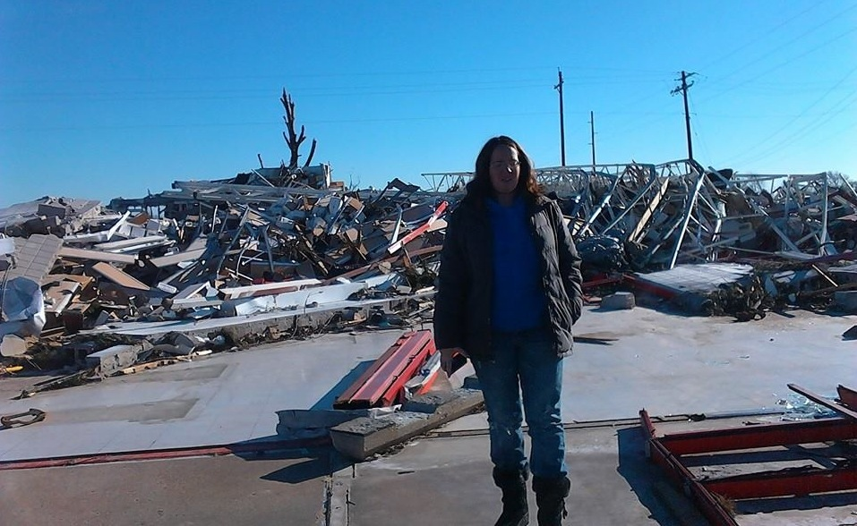 Hope mom tornado relief volunteer